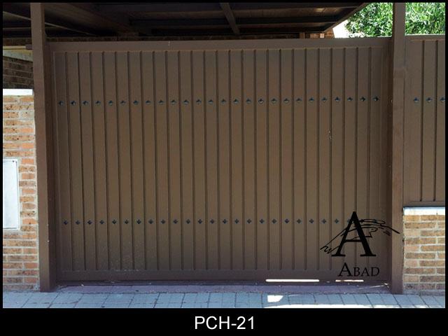 Puertas correderas de garaje puertas de hierro para jardines for Puerta garaje metalica