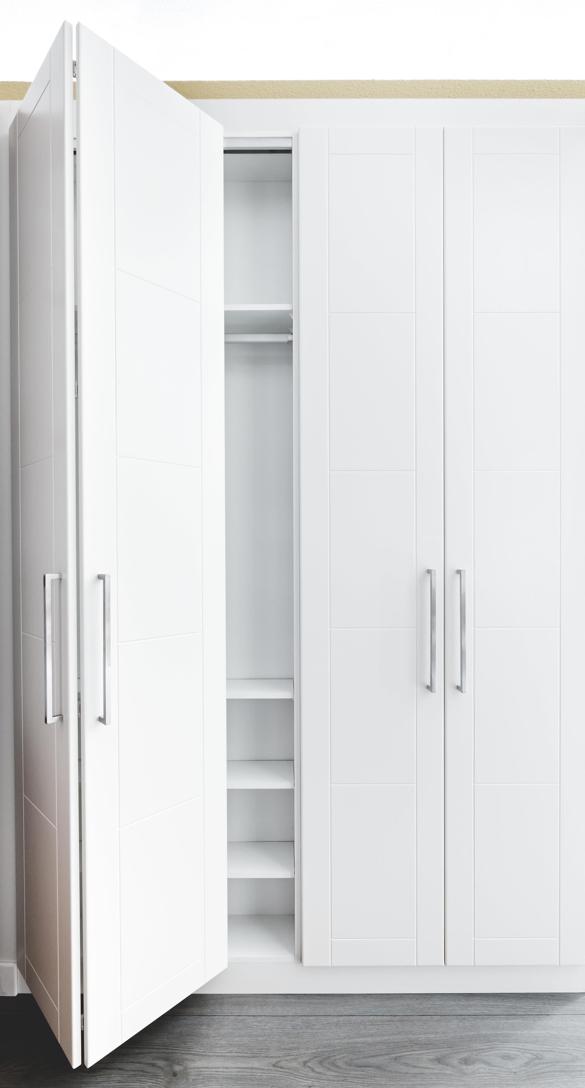 Armarios puertas plegables latest armario puertas - Armario puertas plegables ...