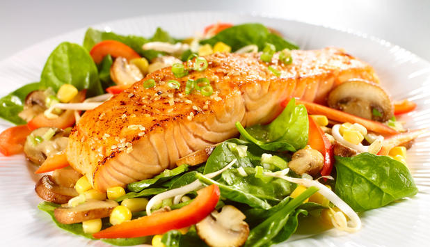 sesame-soy-norwegian-salmon-and-spinach-salad-medley_large.jpg