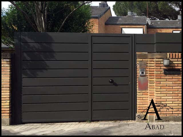 Puertas met licas para exterior puertas de hierro para for Modelos de puertas metalicas para exteriores