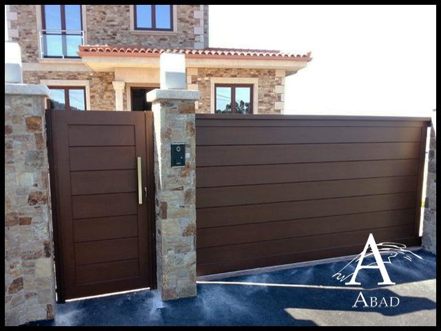 Puerta exterior hierro finest excelentes modelos de for Puertas correderas hierro exterior