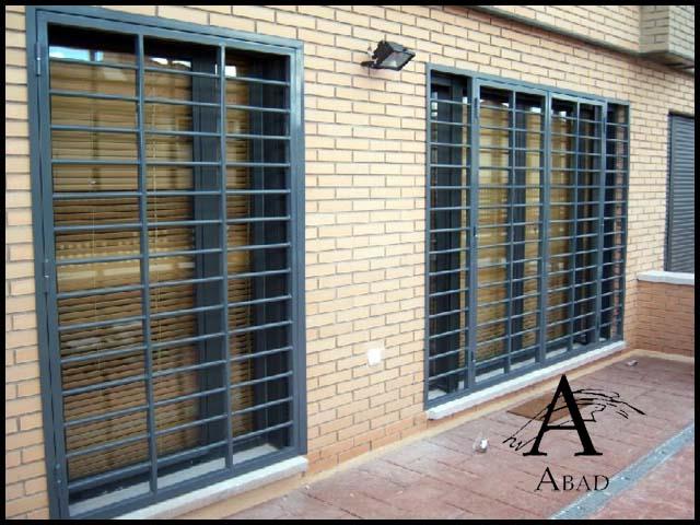 Puertas met licas de exterior cancelas de hierro y forja - Puertas acristaladas exterior ...