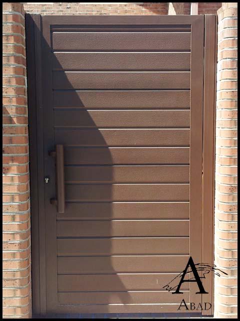 puertas met licas de exterior cancelas de hierro y forja