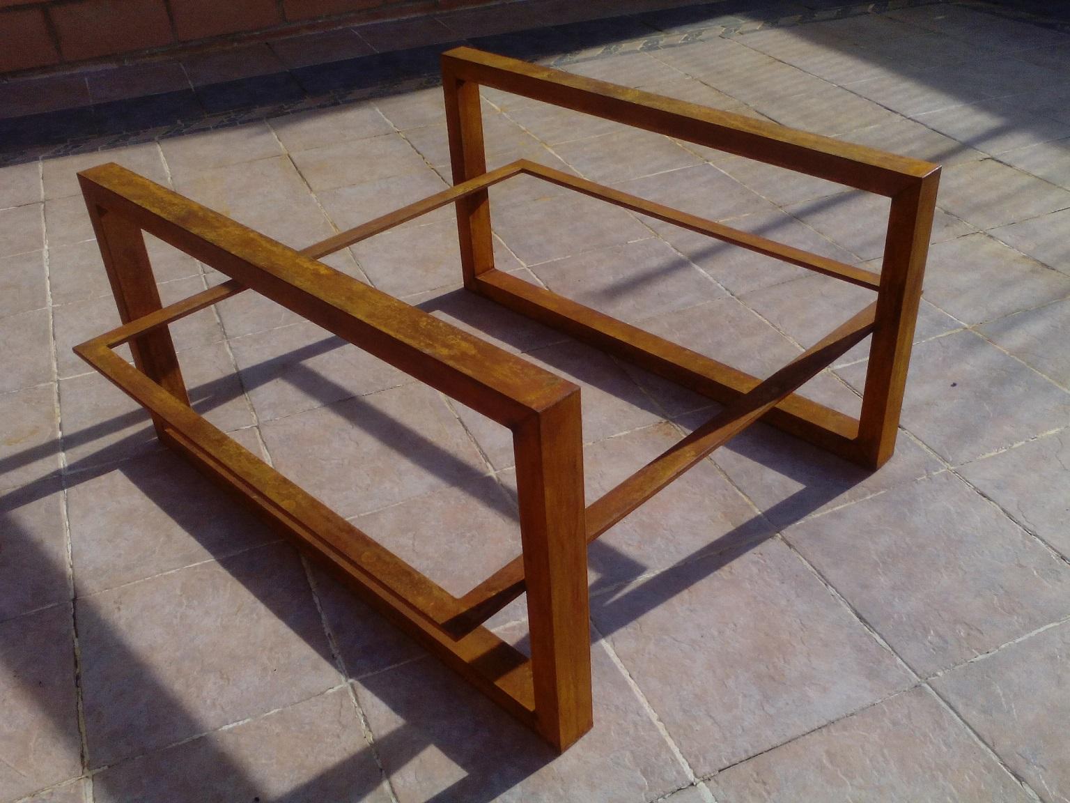 Mesas de hierro y madera for Replicas mesas diseno