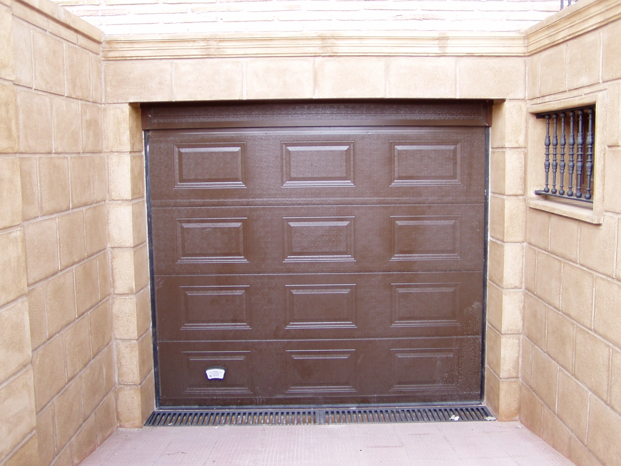 Puertas Para Garajes. Cheap Trabajamos Con Algunos De Los ...