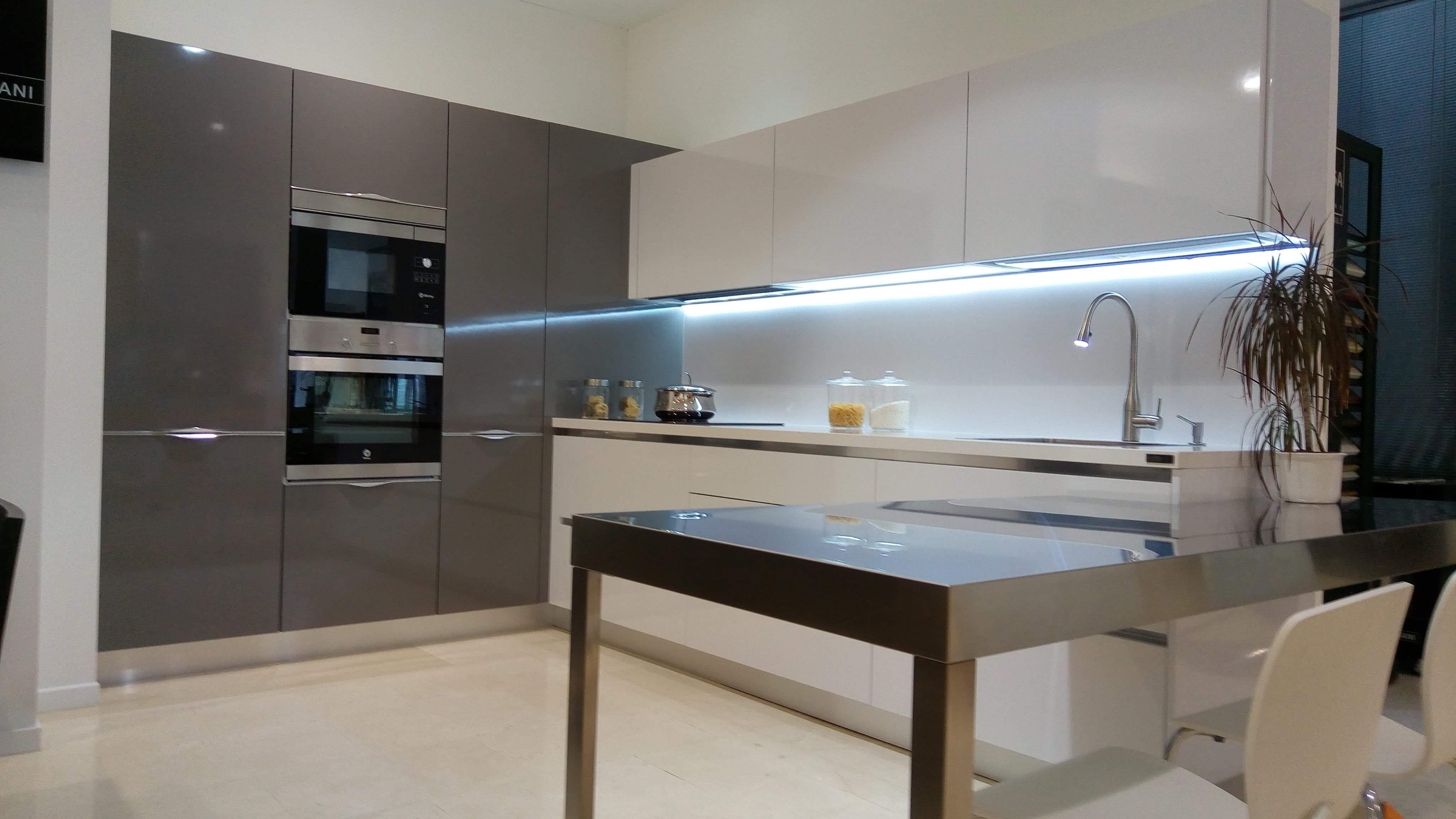 Muebles de cocina tenerife ecocasa salvarani cocinas for Muebles tifon tenerife