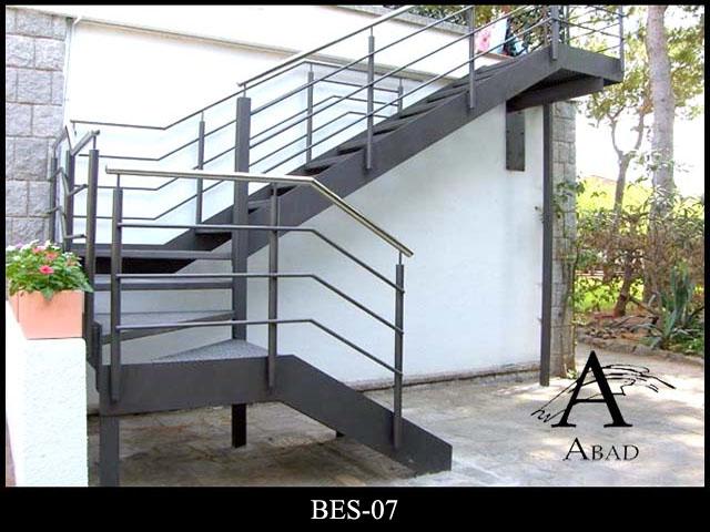 Barandillas de hierro barandas de hierro para escaleras for Escalera exterior de acero galvanizado precio