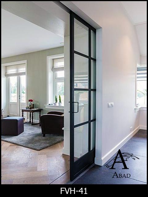 Puertas de hierro y cristal de estilo industrial for Puerta cocina industrial