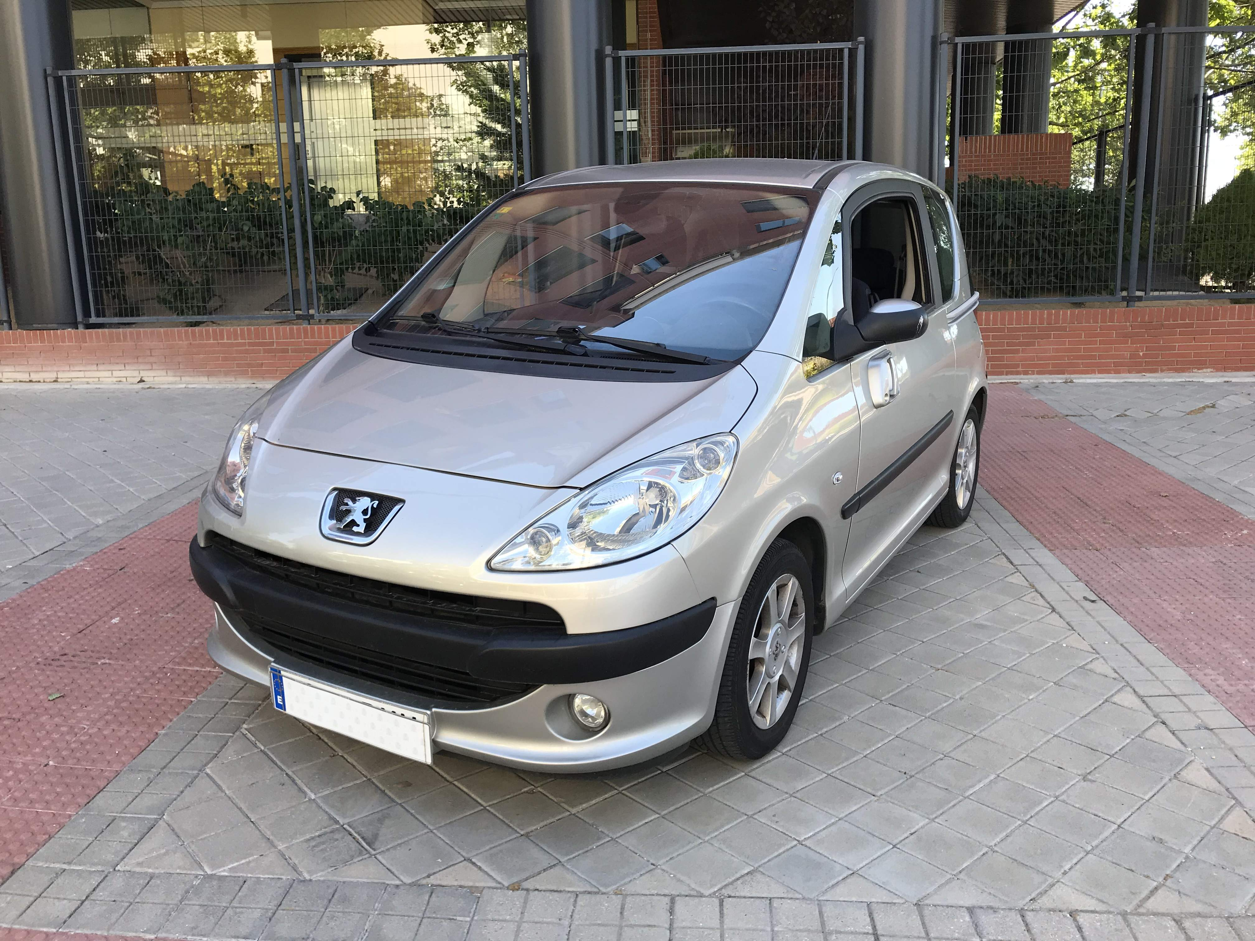 PEUGEOT 1007 1.6 Dolce 2 Tronic