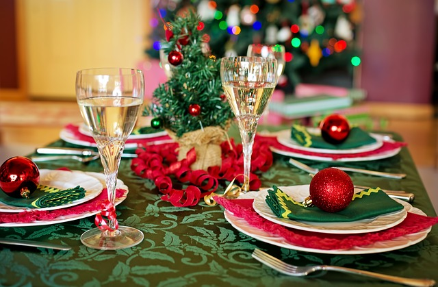 christmas-table-1909797_640jpg
