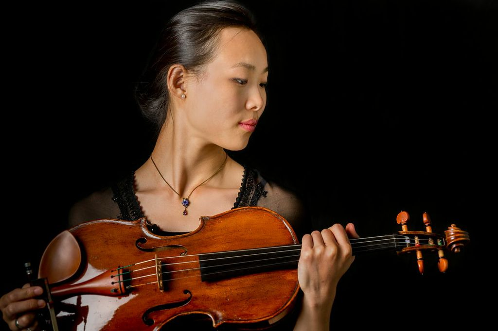 Wenting Kang with Viola