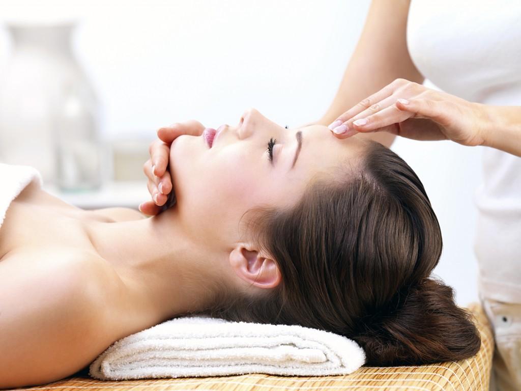 chica-masaje-facialmini-1024x768jpg